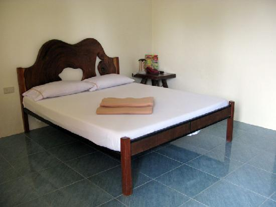 Balay Inato Pension: double bed...