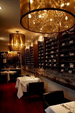 The Richardson Hotel & Spa: Opus Restaurant - Wine Annex