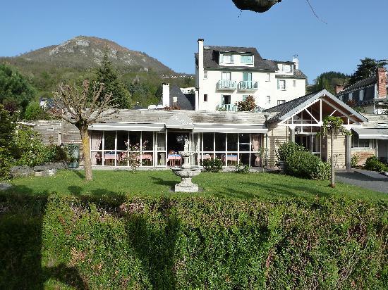 Hotel Restaurant Les Cimes : Vue AR