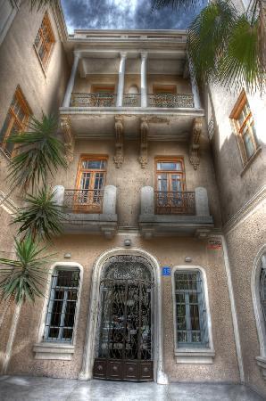 Famous Tel Aviv Bauhaus Architecture