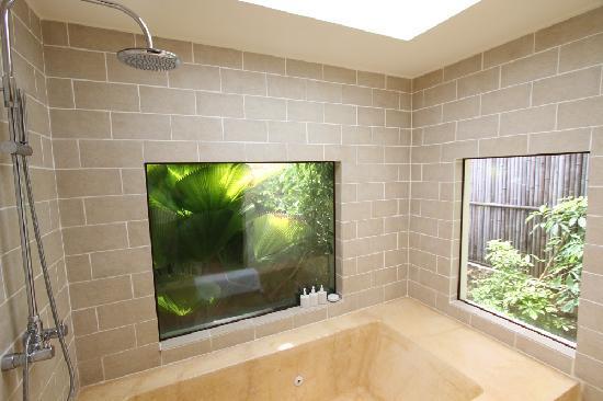 Evason Ana Mandara Nha Trang: Bathroom with jacuzzi