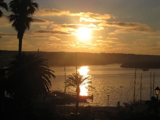 Hotel Port Mahon: sunrise from our balcony