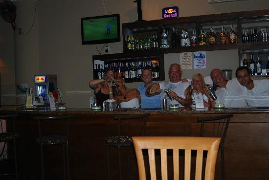 Bar1 : Bottoms up