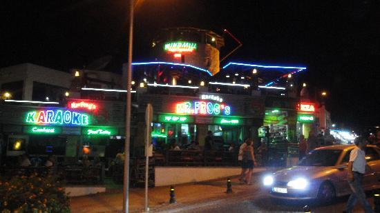 Bodrum Park Hotel: restaurant pas tres loin de l'hotel