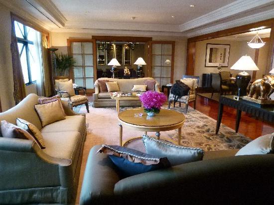 โรงแรมเชอราตัน แกรนด์ สุขุมวิท: Royal Suite living room