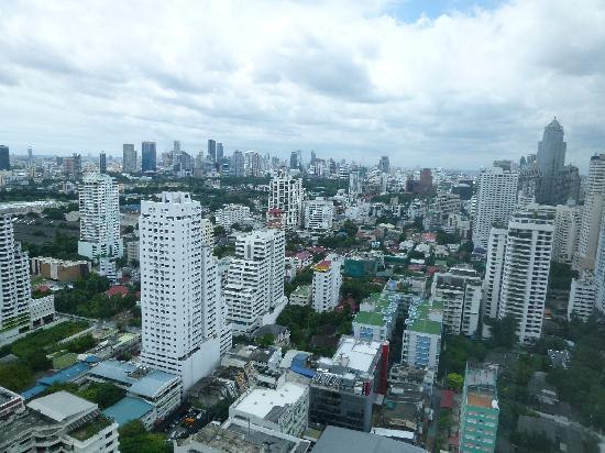 โรงแรมเชอราตัน แกรนด์ สุขุมวิท: City view from room