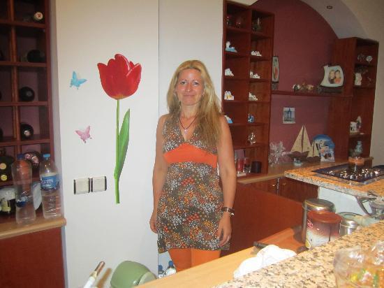 Koronios Villa: Maria la propriétaire