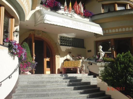 Hotel Schlosshof Ischgl: Außenansicht