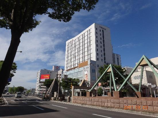 Richmond Hotel Aomori: 駅と繁華街の中間にあり、立地も良いです