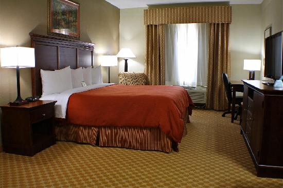 "Country Inn & Suites By Carlson, Knoxville West: King room with 37"" LCD TV, MicroFridge, Pillowtop Bedding"