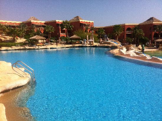 Laguna Vista Beach Resort: piscina