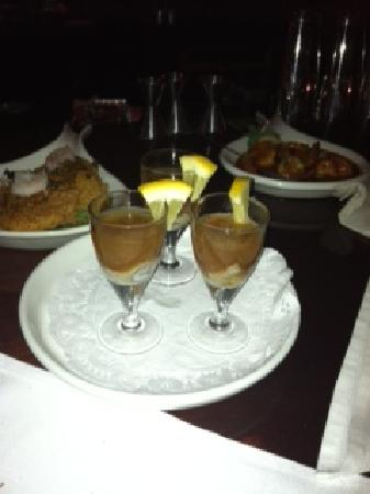 Maple Tree Inn : Oyster Shooters, BBQ Shrimp & Crabcakes
