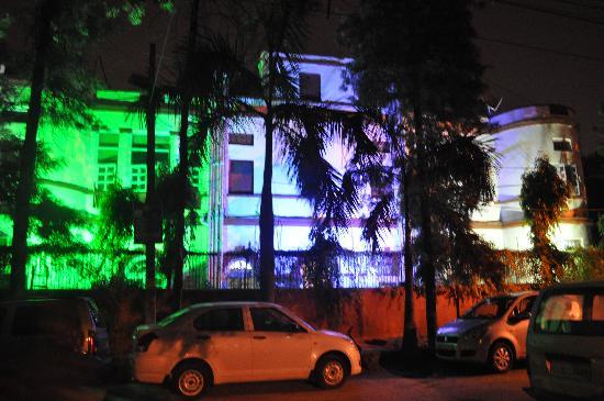 Hotel Kabli: Front Facade