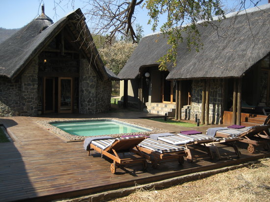 Black Rhino Game Lodge: Loges avec piscine / Rooms with swiming pool
