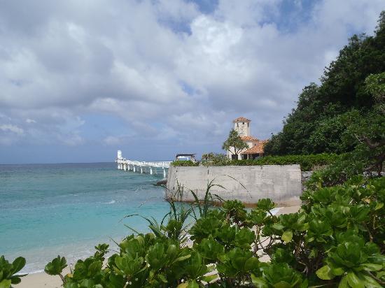 The Busena Terrace: ブセナ岬の先端部。海中展望台があります