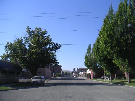 Bridge Street Inn: Great walk around Baker City