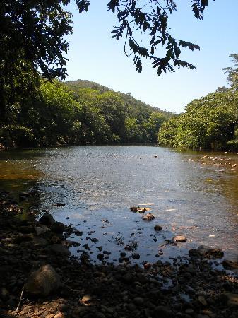 Table Rock Jungle Lodge: River at Table Rock