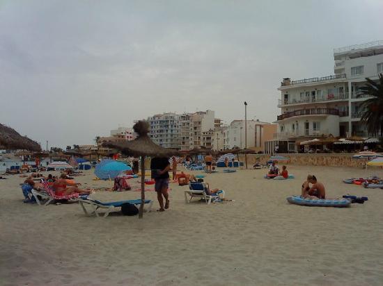 Playa Moreia Apartments: s,illot beach