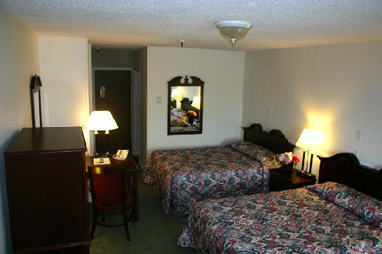 Vacationland Inn: Double Bed Rooms