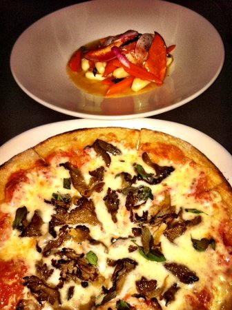 bb's: Gnocchi and Pizza
