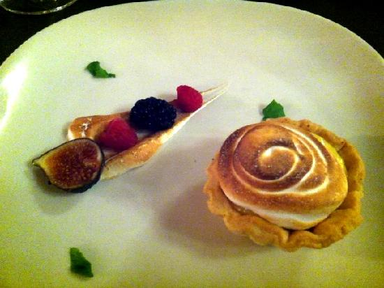 bb's: Lemon meringue pie