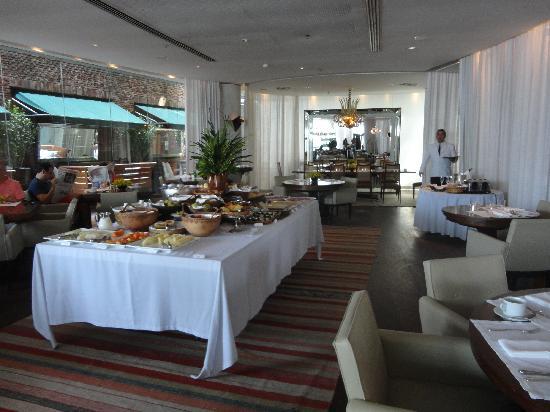Hotel Fasano Rio de Janeiro: breakfast at fasano al mare