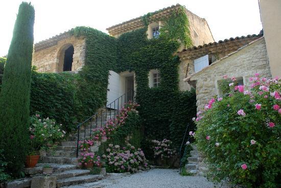 Bastide du Clos des Sources : Vue de l'entrée de la Maison d'Hotes