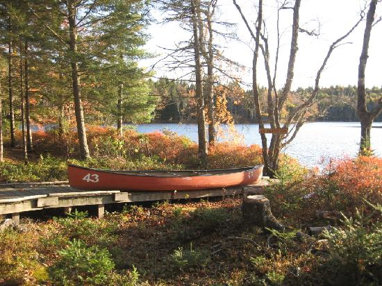 Mersey River Chalets and Nature Retreat: Mersey River Chalets Canoe