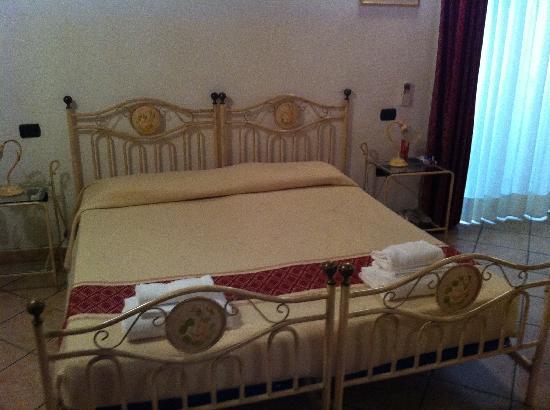 Sardinia Domus : Une Vrai photo des chambre qui propose !!!! 2011
