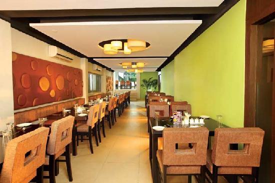 Hotel Icon Classic: Cinnamon Muti Cuisine Restaurant