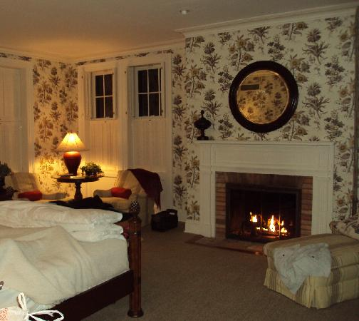The Aurora Inn: Aurora Inn-Rm 4