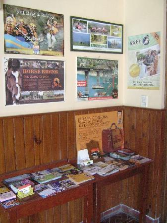 Exxes Hostel: Informacion Turistica