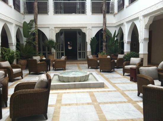 Riad Villa Blanche : the centre of the beautiful riad