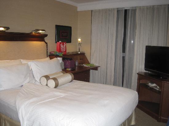 ดิสคัฟเวอรี่ สวีทส์: bedroom