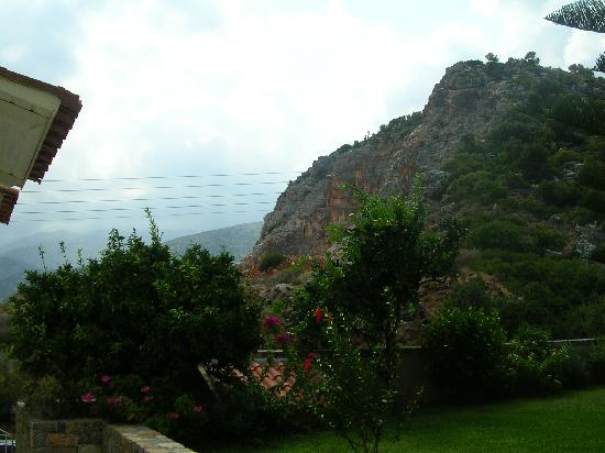 Villa Mare Monte: The mountain side