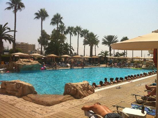 Pavlo Napa Beach Hotel : The pool