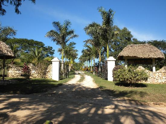 Table Rock Jungle Lodge: Entrance to Table Rock