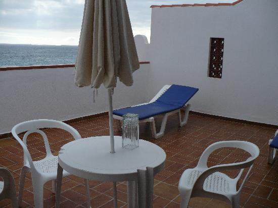 Apartamentos Las Fuentes: the HUGE terrace