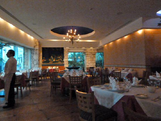 Grand Park Royal Cozumel: Mexican Dinning