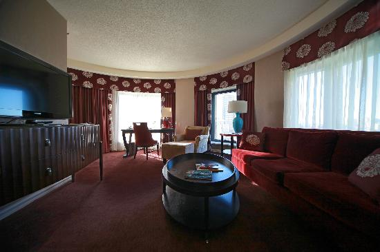 โรงแรมอินเตอร์คอนติเนนตัน มอนทรีออล: Wohnbereich Zimmer 1700