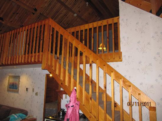 Lakeside Lodge and Resort: loft on second floor