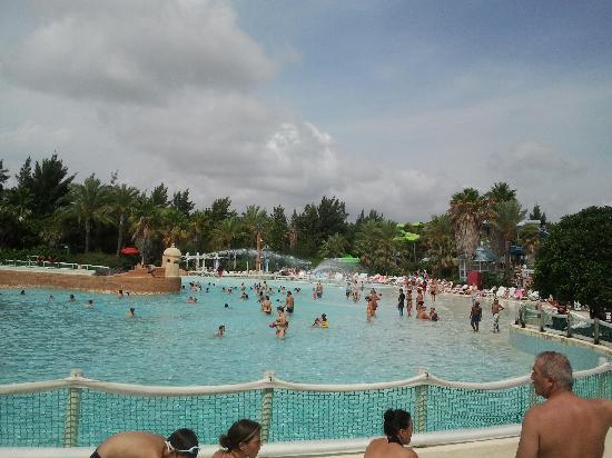 PortAventura Caribe Aquatic Park: Piscina de olas