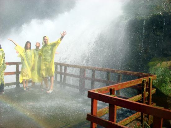 ถ้ำแห่งสายลม: having so much fun together, see the rainbow