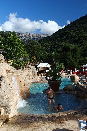 Camping Les Oliviers : La piscine
