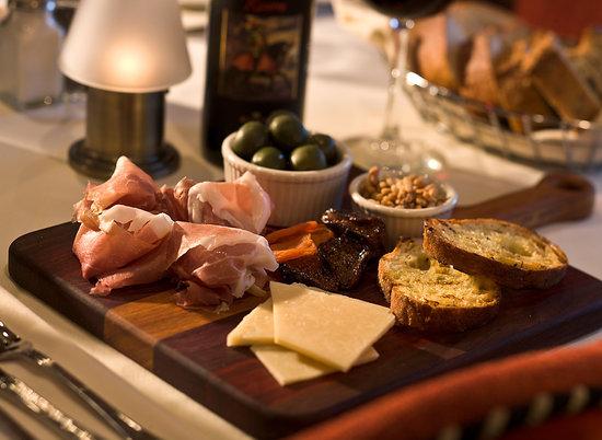 Siena Cucina Enoteca: Meet and Cheese PLatter