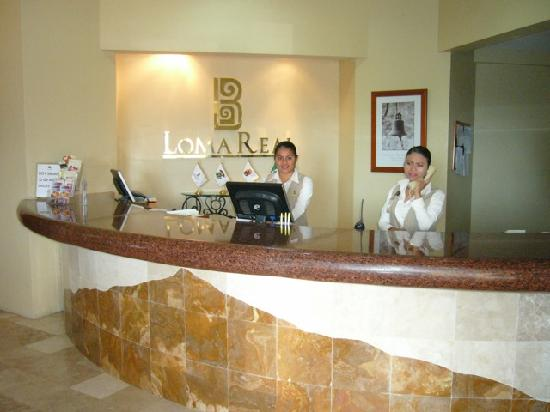 Hotel Loma Real: The Reception Area