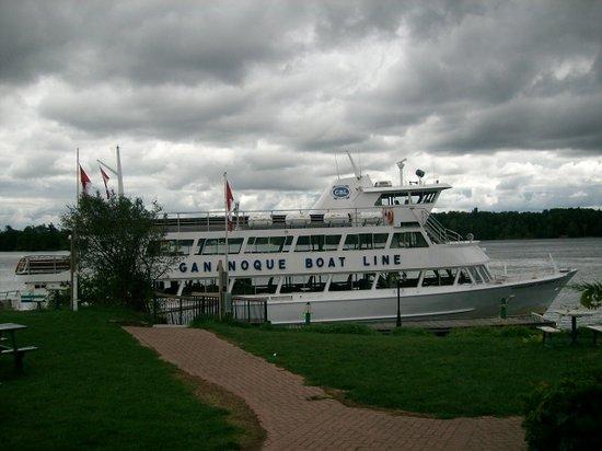 Gananoque, Καναδάς: tour boat