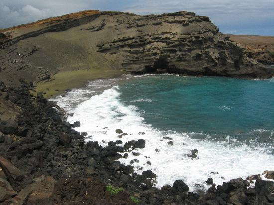 Naalehu, HI: Picture from the cliff above the beach