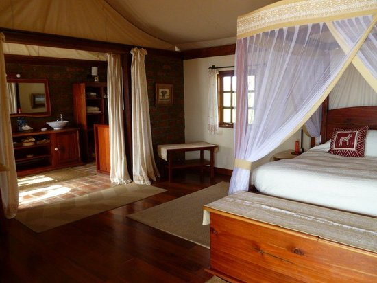 Mara West Camp: Honeymoon Suite