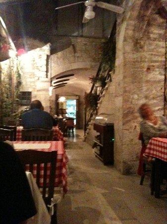 Mirakul : Courtyard of restaurant